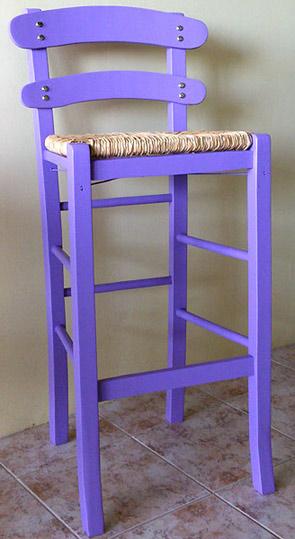 Παραδοσιακό ξύλινο σκαμπώ Καρφωτό