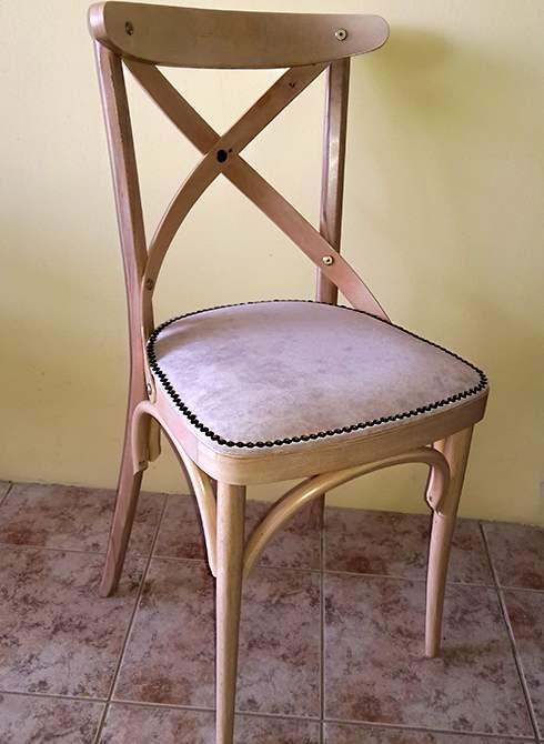 Ξύλινη παραδοσιακή καρέκλα retro